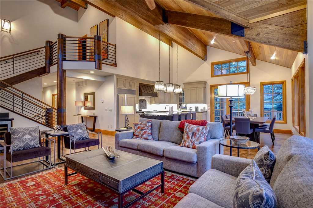 bellevue 19 living room